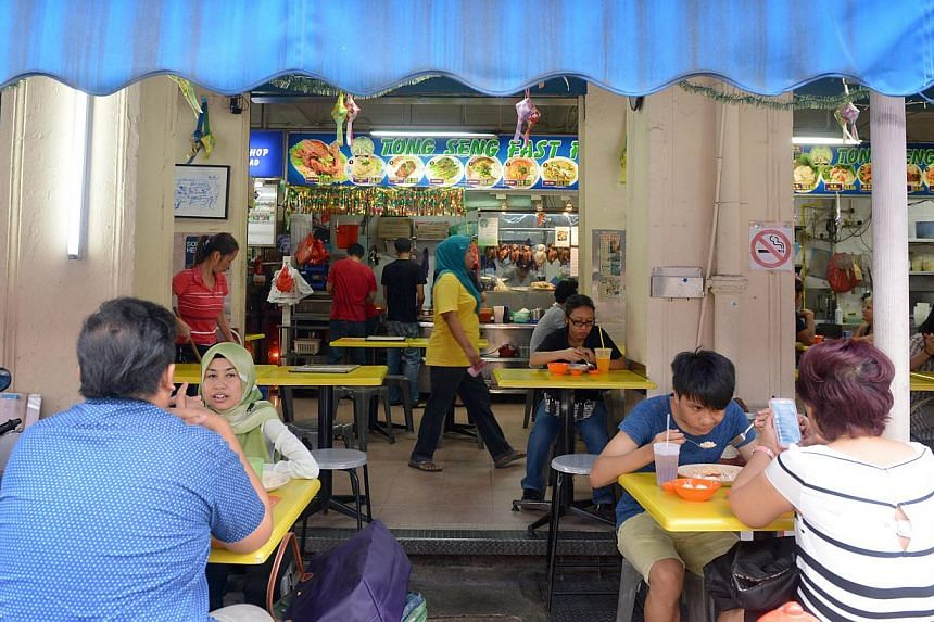 Tong Seng Coffeeshop is popular for its affordable halal versions of local fare like chicken rice, laksa, fishball noodles and wanton mee.