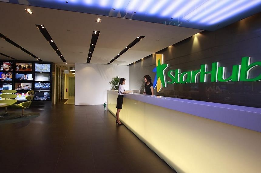 StarHub has reported a surprising rebound in the number of customers facing fibre broadband problems even though repair works on damaged cables have been completed. -- FILE PHOTO: STARHUB