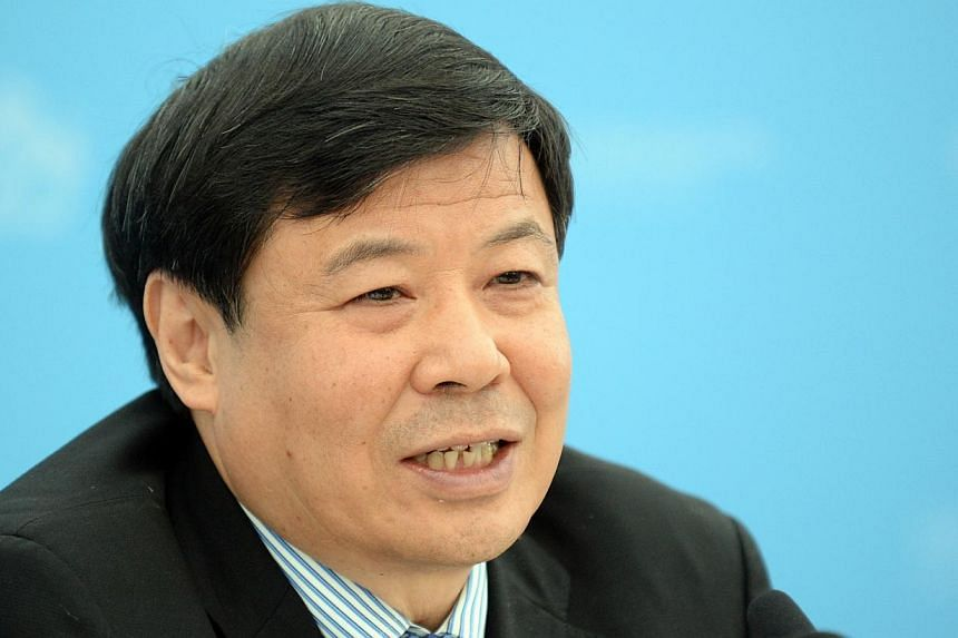 China Vice Finance Minister Zhu Guangyao (above) demanded that the US government take concrete steps to resolve the fiscal cliff issue and prevent a treasury bond default, the latest warning from the biggest holder of such assets two days ahead of th