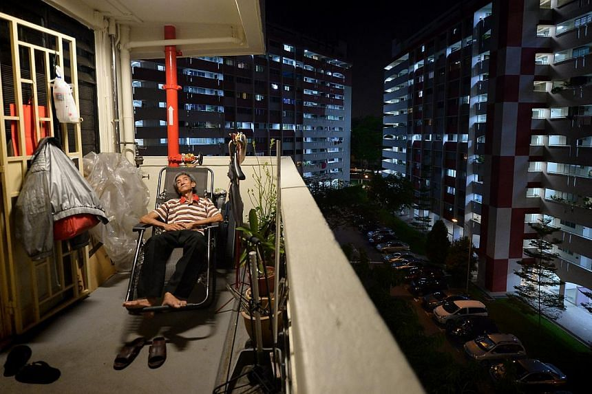 WHO IS POOR? Estranged from his family, Mr Lee Yong Hong, 62, gets free meals and lives in a rental flat. He represents one group of elderly poor in Singapore. A team of experts has called for more data so more can be done to help the poor. -- ST PHO