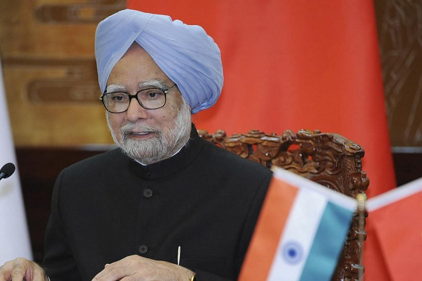 Indian Prime Minister Manmohan Singh (above)does not own a mobile phone or use personal e-mail, giving New Delhi no cause for concern about new US hacking revelations, his office said on Friday, Oct 25, 2013. -- PHOTO: AP