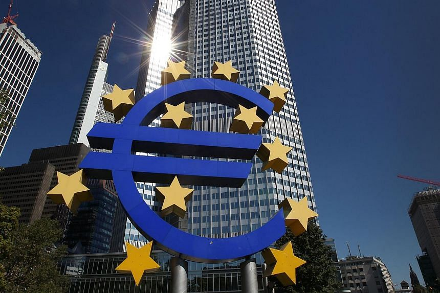 The euro logo is seen in front of the European Central Bank (ECB) building in Frankfurt am Main, central Germany, on Sept 5, 2013. The euro fell sharply against the dollar for a second day on Friday amid rising speculation that the European Central B
