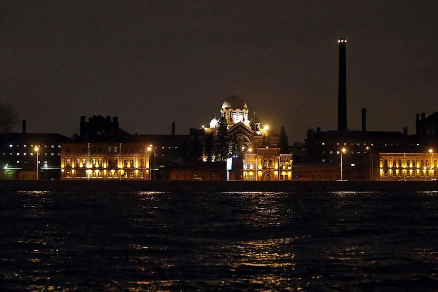 """The Investigative Isolator Number 1 detention centre, also known as """"Kresty"""" (Crosses), is seen in St. Petersburg, Nov 1, 2013. Russia is moving the imprisoned crew of Greenpeace's Arctic Sunrise protest ship from their jail in the Arctic Circle city"""