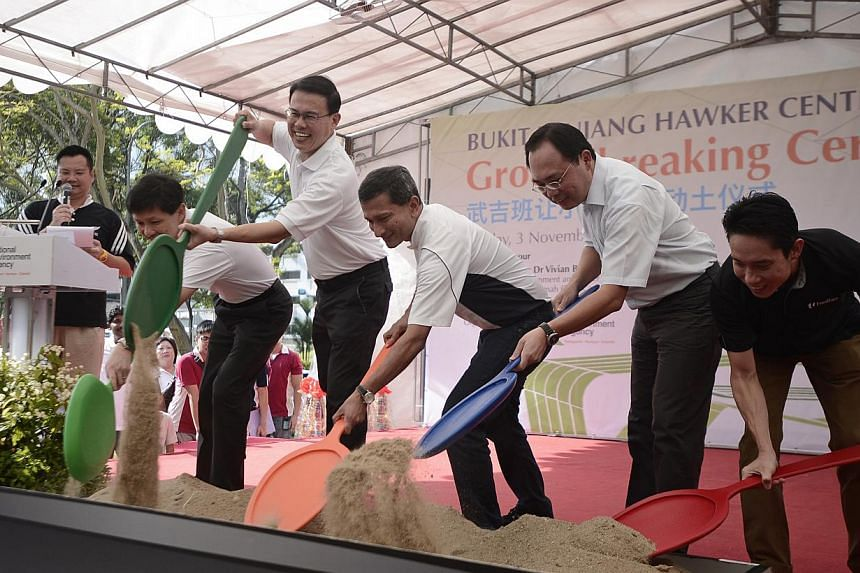 (From left to right) National Environment Agency CEO Mr Ronnie Tay, Bukit Panjang Constituency MP Dr Teo Ho Pin, Minister for Environment and Water Resources Dr Vivian Balakrishnan, MP for Holland-Bukit Timah GRC (Zhenghua) Mr Liang Eng Hwa, and CEO
