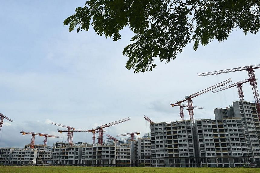 New Housing Board estates and private condominiums may soon be required to provide a stipulated amount of greenery on their sites.These could take the form of landscaping, rooftop gardens, or vertical greenery like green walls.-- ST FILE