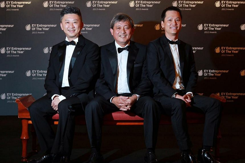 (From left) Mencast Holdings Limited Executive Chairman and CEO Mr Glenndle Sim, winner of the EY Entrepreneur of the Year - Marine and Offshore Engineering Services; CWT Limited Group CEO Mr Loi Pok Yen, winner of the EY Entrepreneur of the Year - L