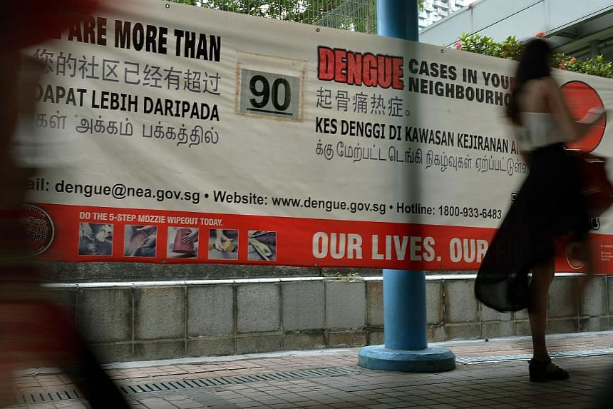 A poster on the number of dengue cases in the area put up near Somerset MRT station. The first dengue case in Orchard Road was reported on Sept 25. Since then, the number of those infected in the Orchard Road cluster has exceeded 90, making it the se