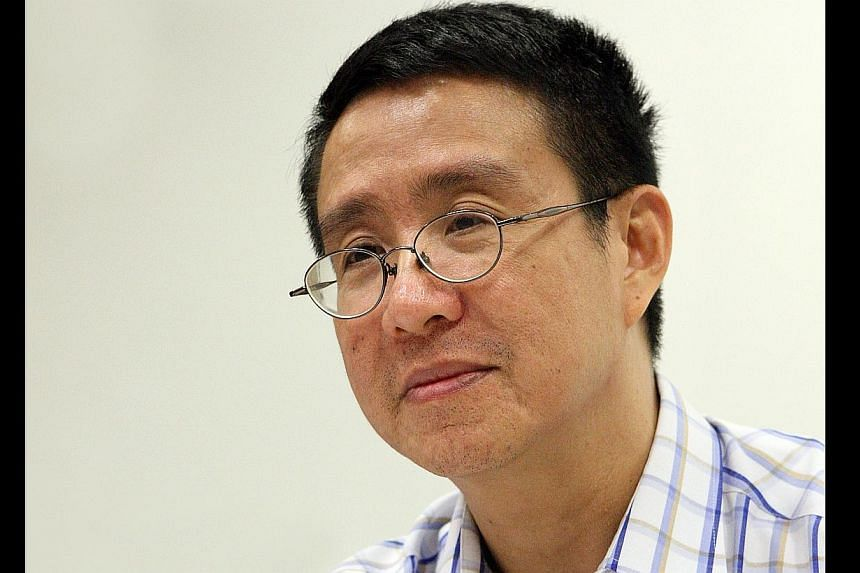 Nearly 170 well-known academics, civil activists and other Singaporeans have penned a statement of support for blogger Alex Au Wai Pang (above). -- ST FILE PHOTO: FRANCIS ONG