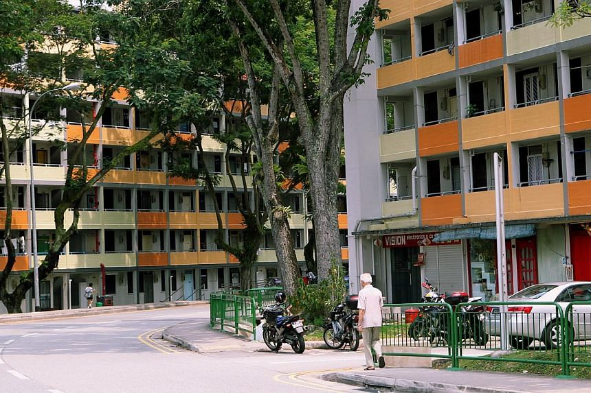 Queenstown, the first satelite estate in Singapore.Queenstown, Tiong Bahru and Geylang Serai are among several towns here hoping to take home the 2014 Heritage Town Award. -- BH FILE PHOTO:TUKIMAN WARJI