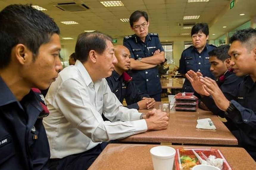 DPM Teo Chee Hean (seond left) and SMS Masagos Zulkifli (not pictured) had lunch this afternoon with the Special Operations Command troopers who restored order in Little India on Sunday night. He expressed his appreciation to all the Home Team office