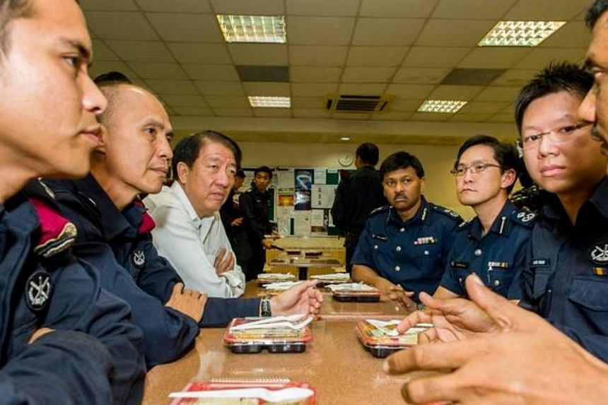 DPM Teo Chee Hean (third left) and SMS Masagos Zulkifli (not pictured) had lunch this afternoon with the Special Operations Command troopers who restored order in Little India on Sunday night. He expressed his appreciation to all the Home Team office