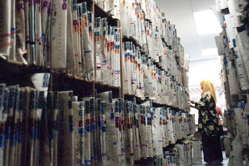 1996: Health-care providers start storing medical data in digital form after hard-copy documents become too overwhelming to manage. -- ST FILE PHOTO