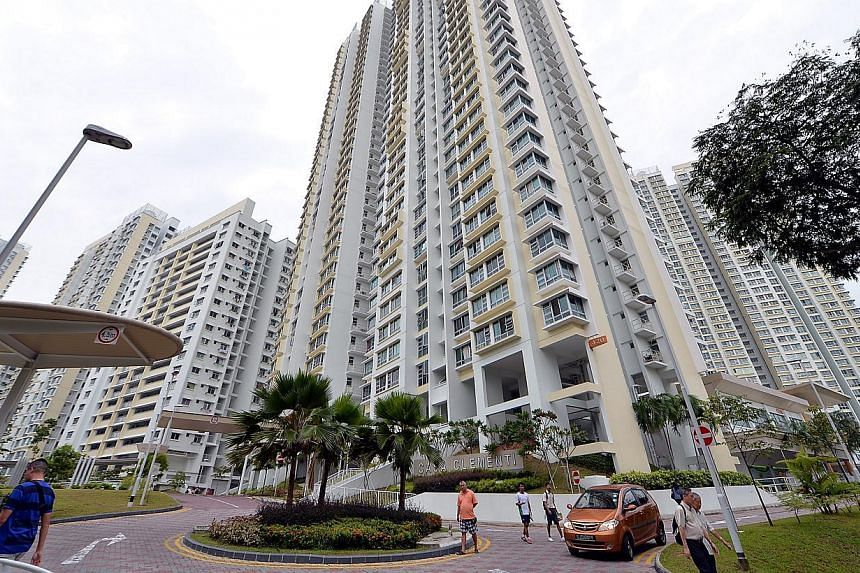 Housing Board residents who are offered the Selective En bloc Redevelopment Scheme (Sers) continue to show strong support, according to a HDB survey released on Thursday. -- ST FILE PHOTO: M.O. SALLEH