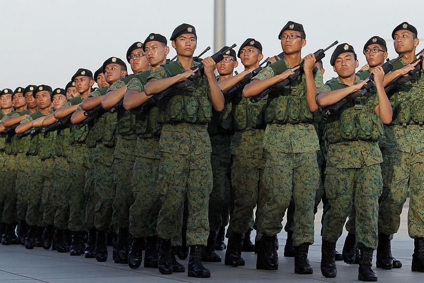Singaporean male citizens and permanent residents born between Sept 11 and Dec 10 in 1996 must register for National Service between Jan 2 and Jan 21 next year. -- ST FILE PHOTO: MARK CHEONG