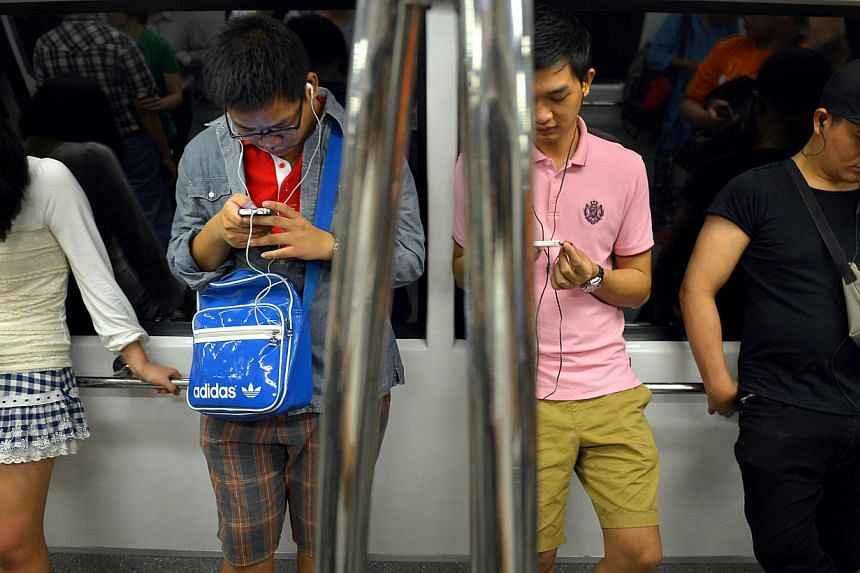 Mobile connection problems in train stations and along train tracks will soon be over as SingTel said it has completed 3G and 4G network upgrades along the North-East Line that stretches from HabourFront to Punggol. -- ST FILE PHOTO: KUA CHEE SIONG