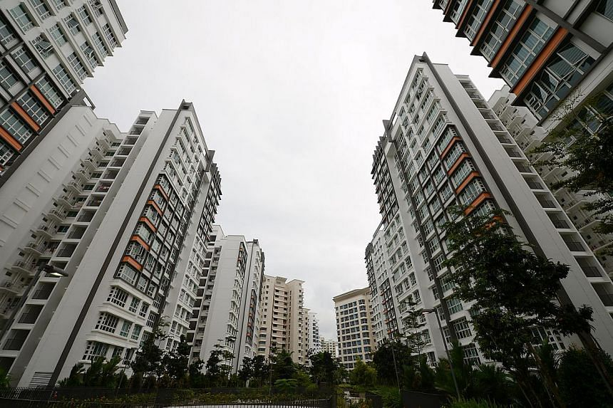 "HDB plans its towns with a ""checkerboard concept"", and the estate has high-rise buildings interspersed with low-rise developments like parks. -- ST PHOTO: DESMOND WEE"
