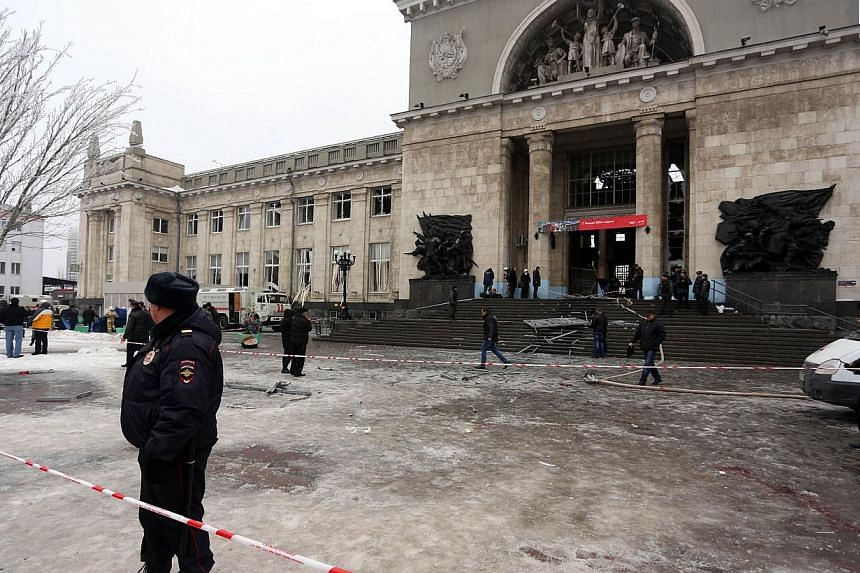 A female suicide bomber killed 16 people Sunday in a strike on the main train station of the southern Russian city of Volgograd that heightened security fears just six weeks before the Sochi Olympic Games.-- PHOTO: AFP