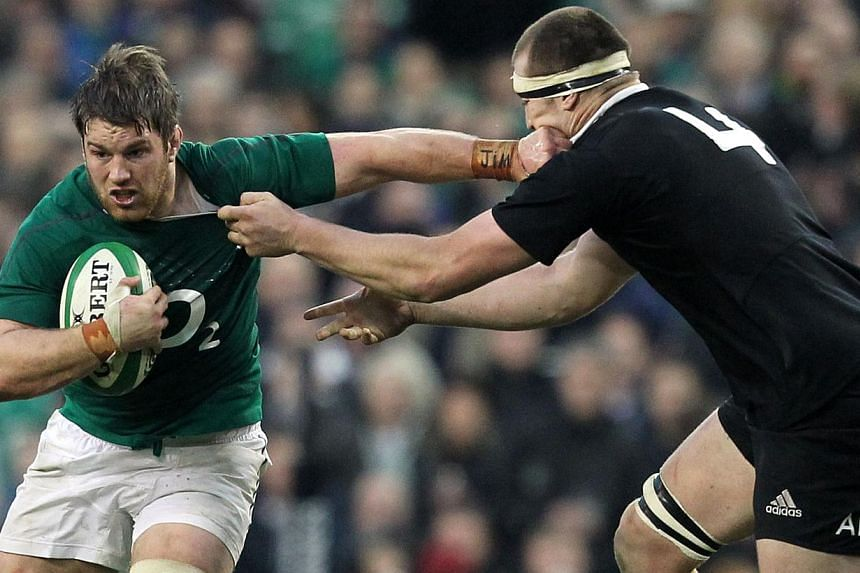 New Zealand's lock Luke Romano (right) tackles Ireland's flanker Sean O'Brien (left) during the international rugby union test match between Ireland and New Zealand at the Aviva Stadium in Dublin on Nov 24, 2013.O'Brien could miss the Six Natio