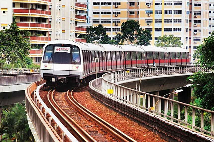 Southbound train service on a portion of the North-South Line was delayed by about 20 minutes on Thursday after SMRT engineers detected and repaired a sagging third rail. -- FILE PHOTO:SMRT