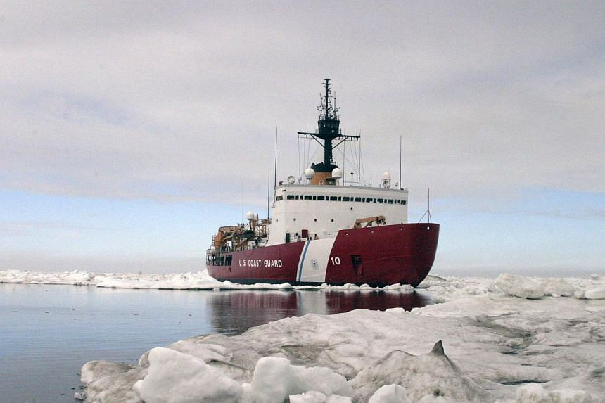 Polar Star, the US Coast Guard icebreaker, completes ice drills in the Arctic in this July 3, 2013 handout photo. The United States (US) is sending a heavy icebreaker to help free a Russian ship and a Chinese icebreaker gripped by Antarctic ice, the