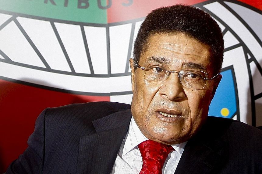 """Portuguese football legend Eusebio da Silva Ferreira, also known as """"Pantera Negra"""" (Black Panther), giving a press conference for the launch of his biography on his 70th birthday at the Luz Stadium in Lisbon, on Jan 25, 2012. -- FILE PHOTO: AFP"""