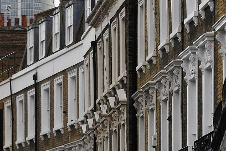 Properties are pictured in London, on Oct 21, 2013.London ranks as the top city for foreign real estate investment opportunity, beating out last year's winner, New York, according to a survey released on Monday, Jan 6, 2014, by the Association