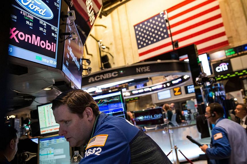 A trader works on the floor of the New York Stock Exchange on the evening of Jan 7, 2014 in New York City.United States (US) stocks ended higher on Tuesday, snapping the S&P 500's three-day losing streak to give the benchmark index its firs