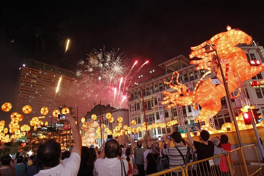 Fireworks set off at 9pm during Chinatown Chinese New Year Light-Up and Opening Ceremony along New Bridge Road and Eu Tong Sen Streeton Jan 11, 2014.-- ST PHOTO: KEVIN LIM