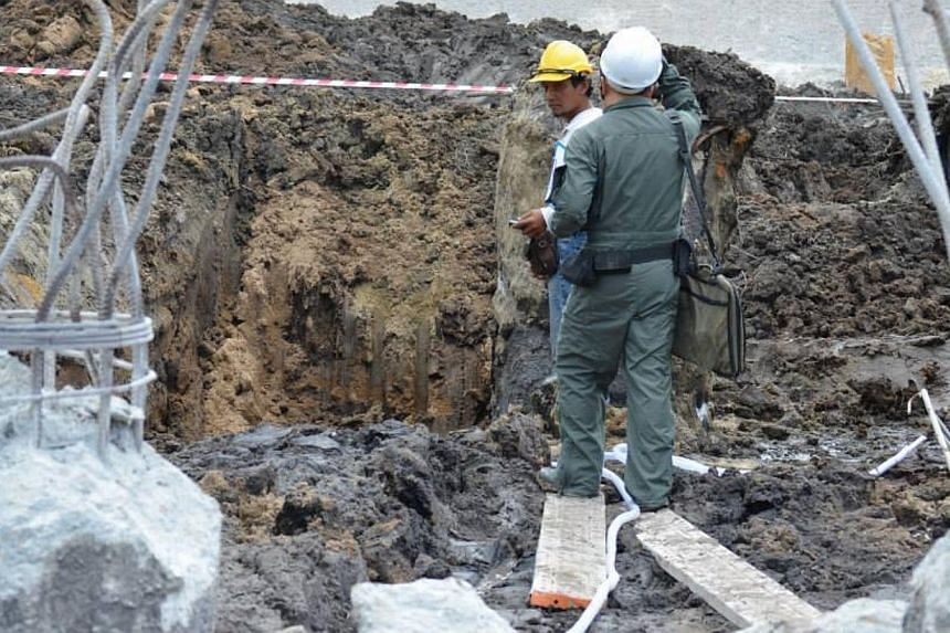 A suspected war relic was found at noon on Saturday, Jan 11, 2014, at a construction site near Tampines, said the Army in a video posted on the Singapore Army Facebook page. Lieutenant J. W. Ong, reporting for Army News, said soldiers from the Singap