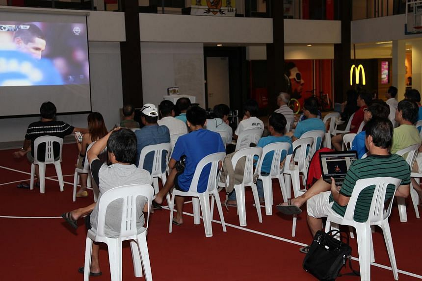 The live screenings of English Premier League (EPL) matches in community clubs here kicked off with the match between Hull City and Chelsea at nine clubs, including Tampines West CC, on Saturday night. -- PHOTO: TAMPINES WEST COMMUNITY SPORTS CLUB