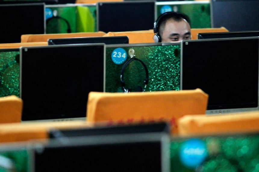 The number of web users in China has surged to 618 million, a government agency said on Thursday, underscoring the rapid growth of online connectivity in the country with the world's largest Internet population. -- FILE PHOTO: BLOOMBERG