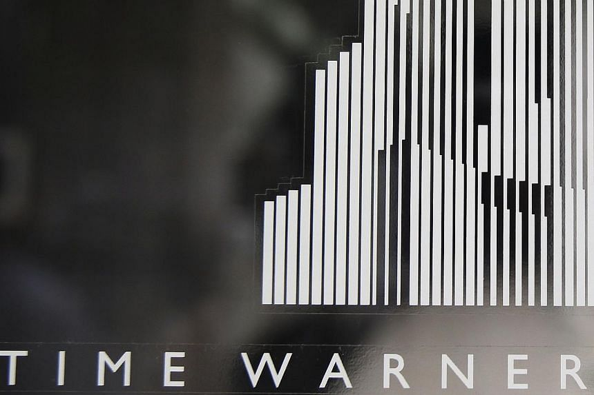 Singapore sovereign wealth fund GIC is joining hands with two partners to buy 1.1 million sq ft of office space in New York's Time Warner Center, for a total of US$1.3 billion (S$1.65 billion). -- FILE PHOTO: REUTERS
