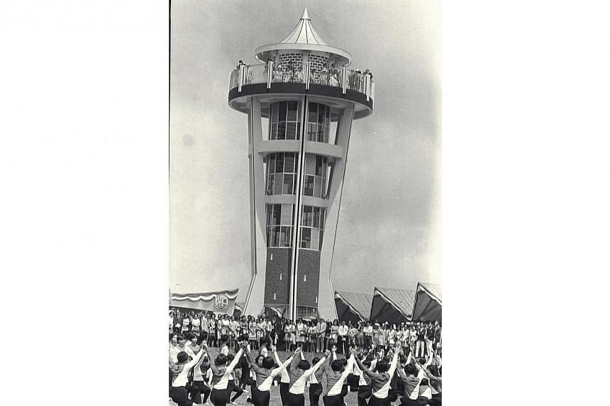 On Aug 10, 1969, Princess Alexandra pressed a littlebutton and unveiled a plaque to mark theopening of the new Seletar Reservoir inSingapore. -- ST FILE PHOTO: HAN HAI FONG