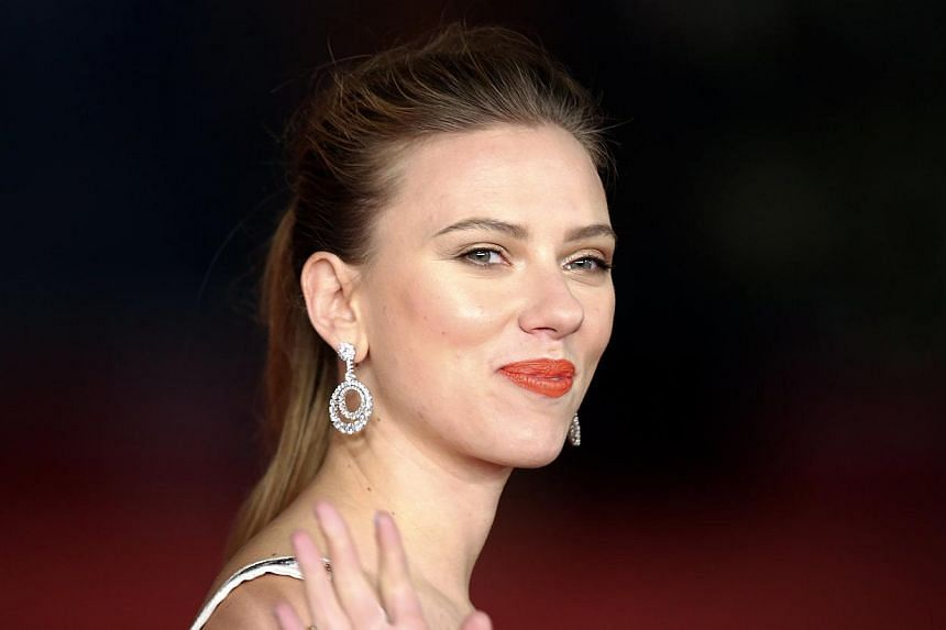 """US actress Scarlett Johansson has quit as global ambassador for Oxfam after the aid group deemed the role """"incompatible"""" with her promotion of an Israeli firm that has a factory in the occupied West Bank. -- FILE PHOTO: REUTERS"""