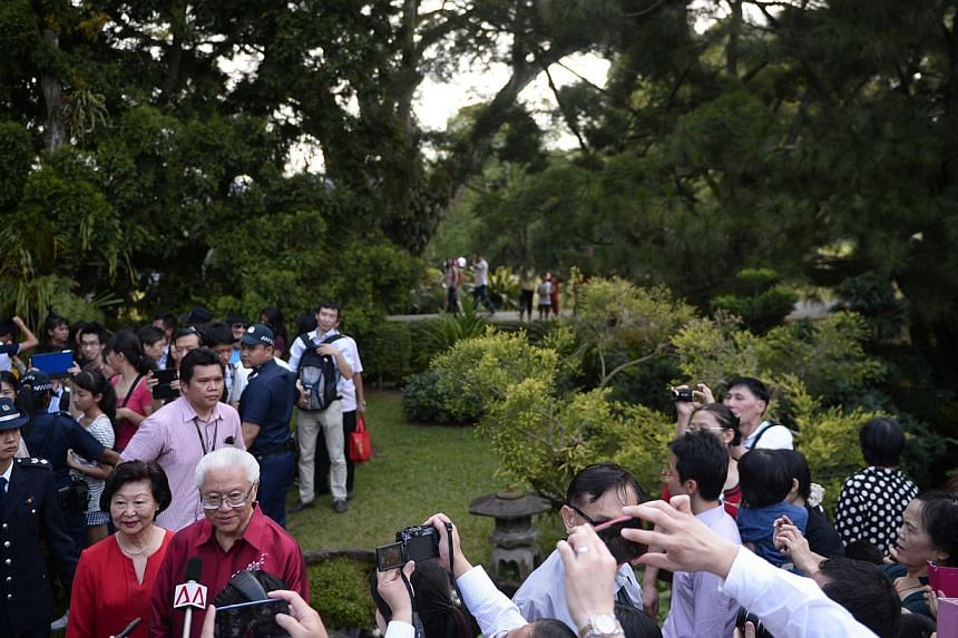 The Istana grounds will be opened to the public on Saturday, Feb 1, 2014, from 8.30am to 6.00pm, in celebration of Chinese New Year. The first-ever guided nature tours during the Istana open house, which started on Saturday, Feb 1, 2014, were sold ou