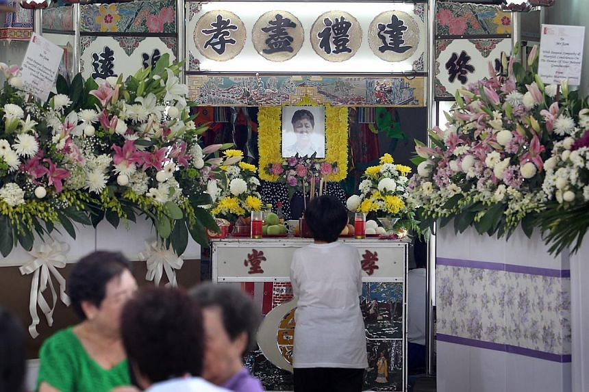 Relatives and friends were at Madam Ong Kim Hoi's wake yesterday. -- ST PHOTO: JASON QUAH