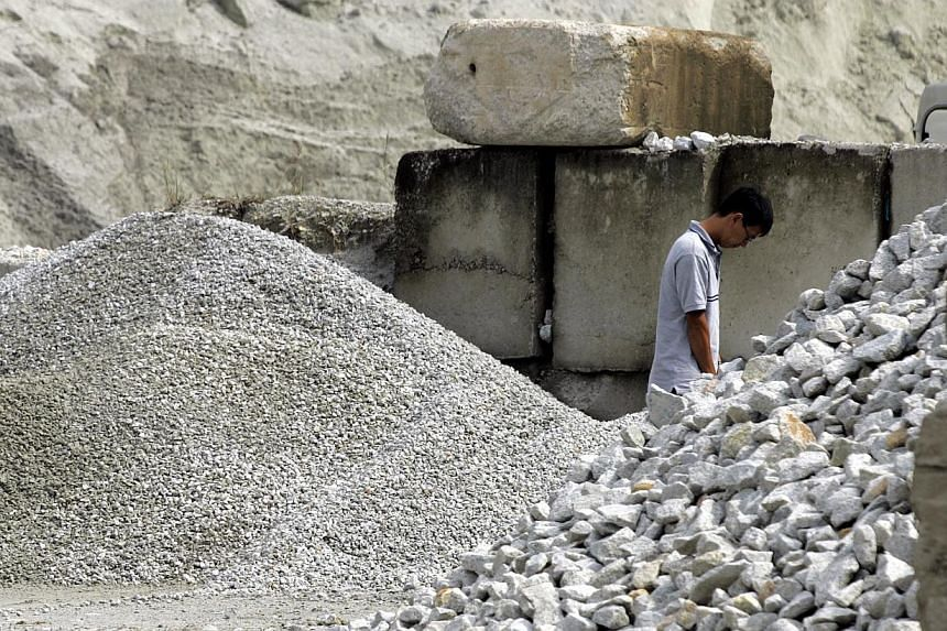 Granite aggregate from the Singapore Government's stockpile costs $30 per tonne, much higher than the average market rate of $25 per tonne. The price may rise even further if necessary to keep from drawing down the stockpile, depending on developme
