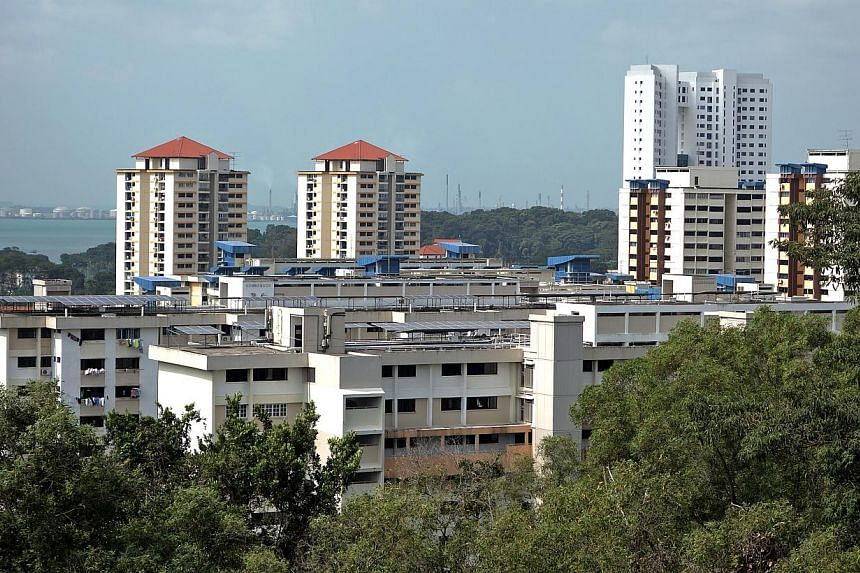 Cash premiums for resale Housing Board flats continued to fall this year, with median cash-over-valuation (COV) dropping to $3,000 in January-- ST FILE PHOTO: JAMIE KOH