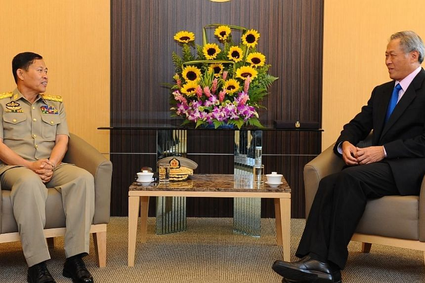 Myanmar Deputy Commander-in-Chief of Defence Services and Commander-in-Chief Vice-Senior General Soe Win (left) calling on Minister for Defence Dr Ng Eng Hen (right) at the Ministry of Defence, on Feb 10, 2014. -- PHOTO: MINDEF