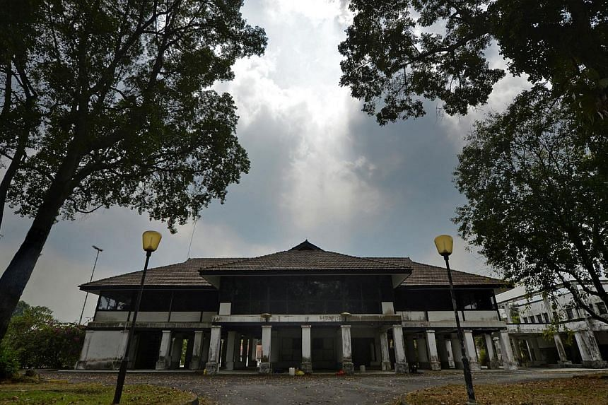 Colonial bungalows at the former Seletar airbase, which have been vacant in recent years, and two former military buildings at The Oval and Park Lane be gazetted by the Urban Redevelopment Authority for conservation. -- ST PHOTO: DESMOND FOO