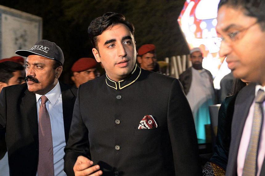 Chairman of Pakistan Peoples Party, Bilawal Bhutto Zardari (C) attends the cultural heritage festival at the ancient ruins of Moenjodaro, the UNESCO World Heritage site around 425 kilometres north of the port city of Karachi on February 1, 2014.&nbsp