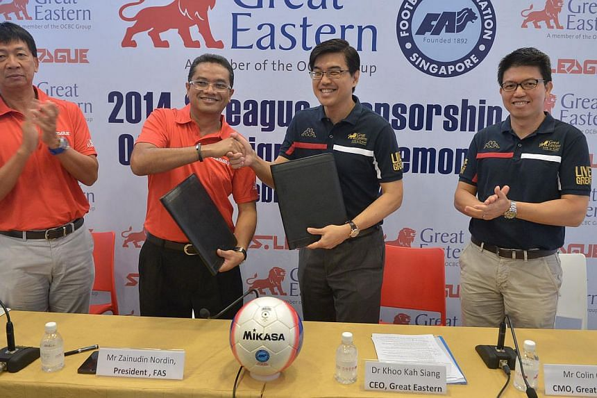 Great Eastern 2014 S League Sponsorship official signing ceremony on Feb 17, 2014. (From left) Mr Lim Chin, CEO of S.League, Mr Zainudin Nordin, President of FAS, Dr Khoo Kah Siang, CEO of Great Eastern and Mr Colin Chan, CMO of Great Eastern.-