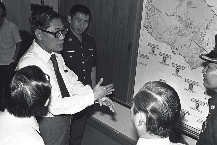 Mr Chua Sian Chin (in tie), former Home Affairs Minister at the official opening of the $2.6 million Tanglin Police Station at Napier Road on June 3, 1981. -- ST FILE PHOTO: CHEW YEN FOOK