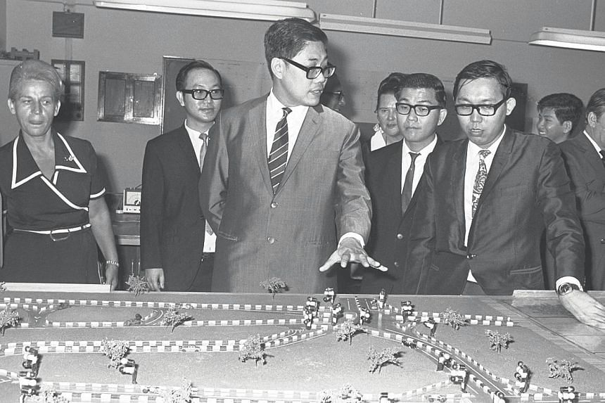 Mr Chua Sian Chin (centre), Former Minister of Health, at the Singapore Technical Institute in Circuit Road, for its graduation and presentation ceremony on Oct 26, 1972. -- ST FILE PHOTO: MAHFUTZ MATTAR