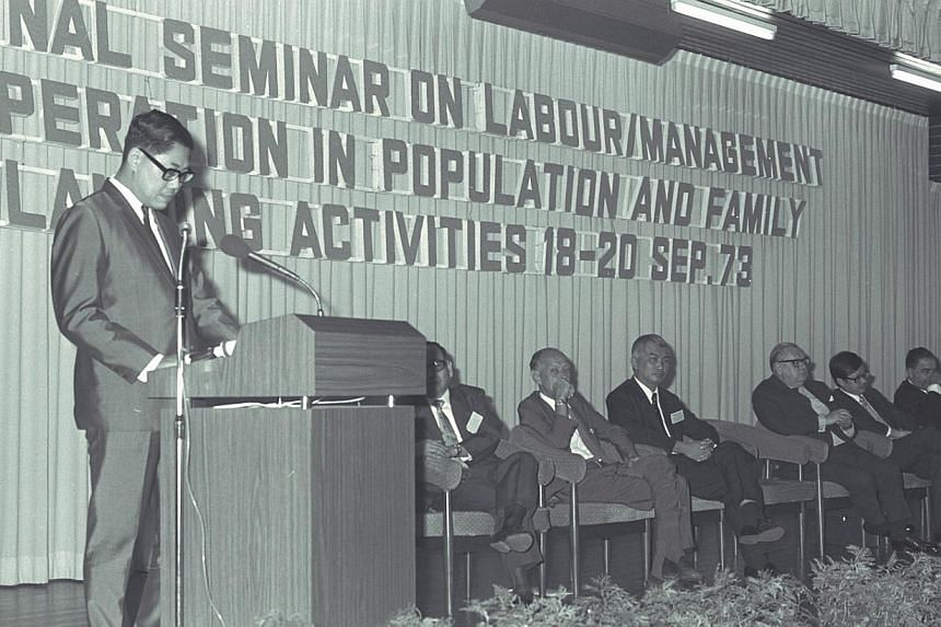 Former Health Minister Mr Chua Sian Chin speaking at a Family Planning seminar on Sept 18, 1973. -- ST FILE PHOTO: CHEW BOON CHIN