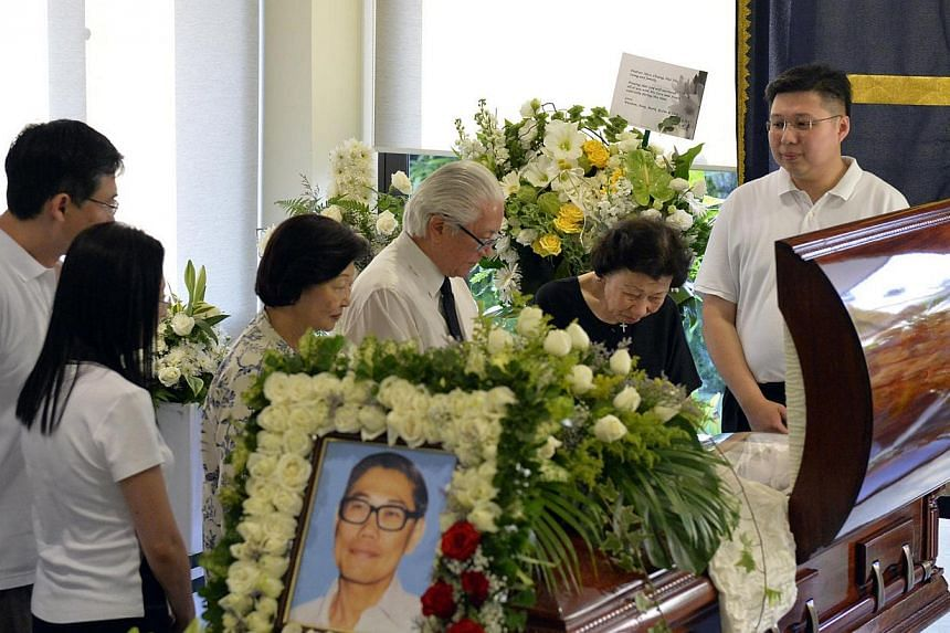 (From right) Chua Eng Leong, Alice Chua, President Tony Tan Keng Yam and wife, Mrs Margaret Png, Chua Eng Chiang and his wife Monica Yip. Top leaders and politicians attended the wake of former Cabinet Minister Chua Sian Chin on Friday, Feb 28, 2014,