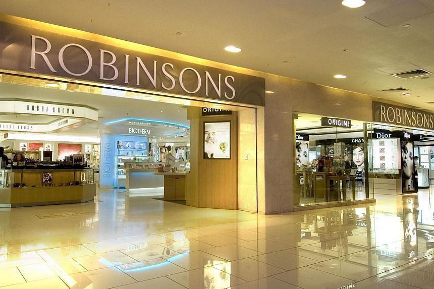Departmental store Metro will take over Robinsons (above) as anchor tenant at The Centrepoint along Orchard Road. -- FILE PHOTO: ROBINSONS & CO