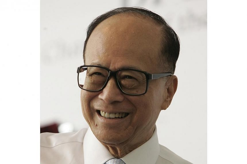 Asia's richest man Li Ka Shing has compared the two cities of Hong Kong and Singapore, saying that Singapore - spurred by its lack of resources - has relentlessly sought to reinvent and upgrade itself. -- ST FILE PHOTO: EDWIN KOO