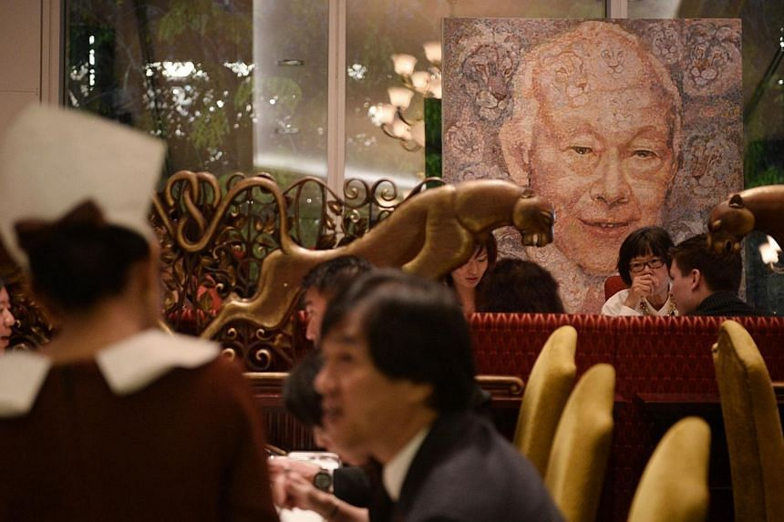 A painting of Minister Mentor Lee Kuan Yew by Ukrainian artist Oleg Lazarenko donated by Vinci Arts Gallery on auction at th fundraising dinner held by Clearvision for The Singapore Association of the Visually Handicapped on 9 March, 2014. -- ST PHOT