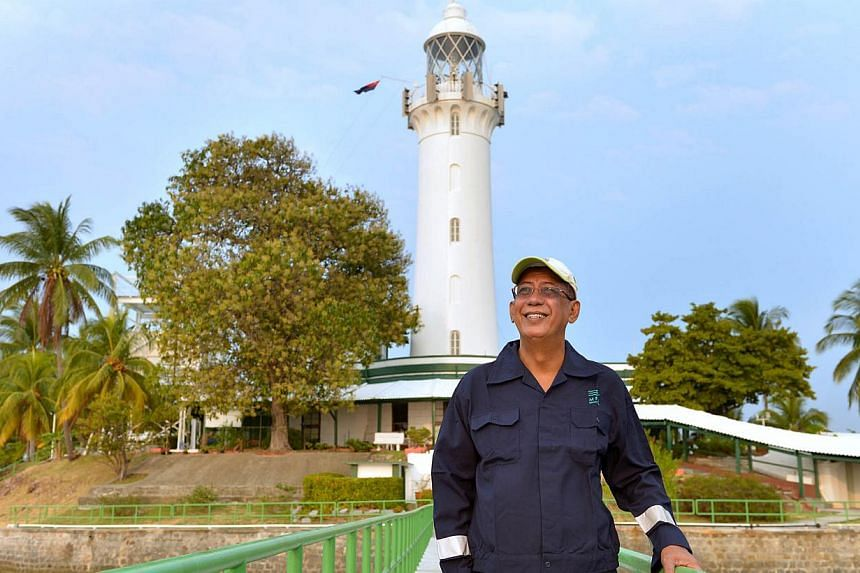 Mr Syed Hassan, 65, is the oldest lighthouse keeper in Singapore. -- ST PHOTO:CAROLINE CHIA